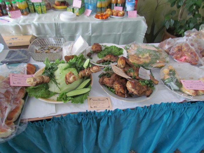 Мариупольцев заманивают на избирательные участки бутербродами (ФОТО), фото-4