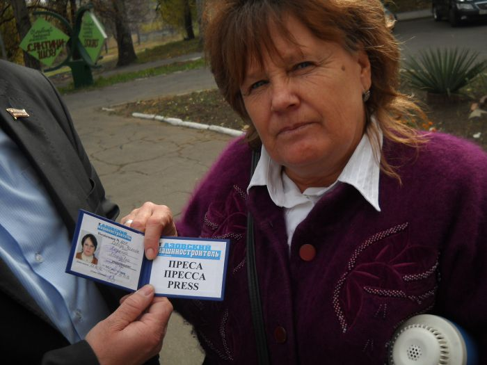В Мариуполе избирателей подвозят к участкам на автобусах и легковушках (Дополнено ФОТО), фото-2