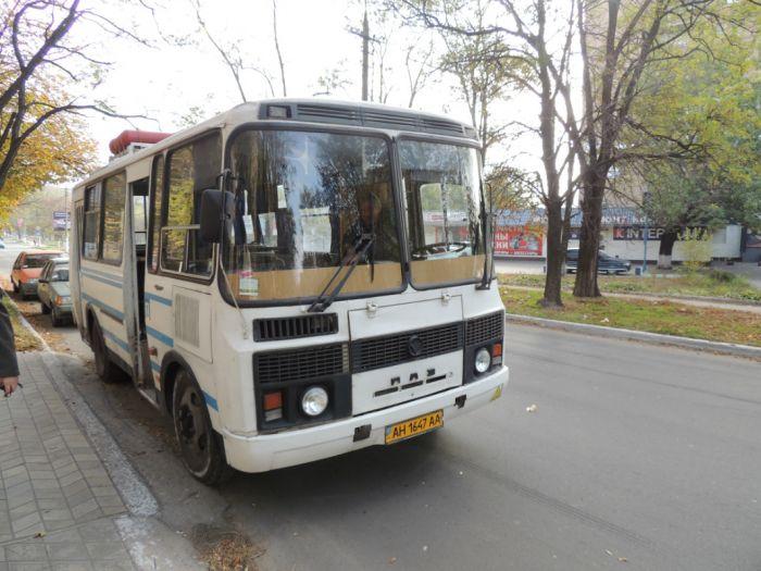 В Мариуполе избирателей подвозят к участкам на автобусах и легковушках (Дополнено ФОТО), фото-1