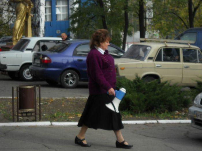 В Мариуполе избирателей подвозят к участкам на автобусах и легковушках (Дополнено ФОТО), фото-5
