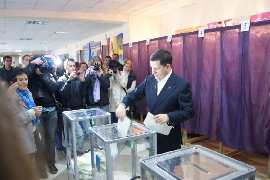 Костусев проголосовал и попросил одесситов последовать его примеру (фоторепортаж), фото-1