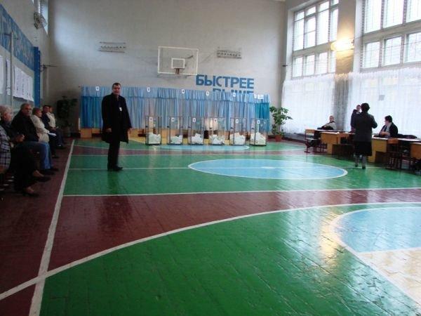 На «новом» все спокойно: на артемовских избирательных участках этого района не зафиксировано ни одного нарушения, фото-3