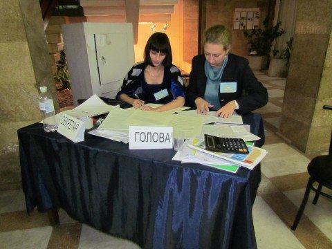 В Мариуполе  на выборы пришло немногим более половины избирателей, фото-1