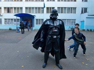 В Одессе под участком дежурил волосатый великан (Фотофакт), фото-1