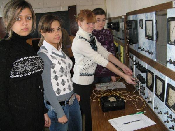 Большинство студентов Артемовского индустриального техникума учатся на бюджете и получают стипендии, фото-11