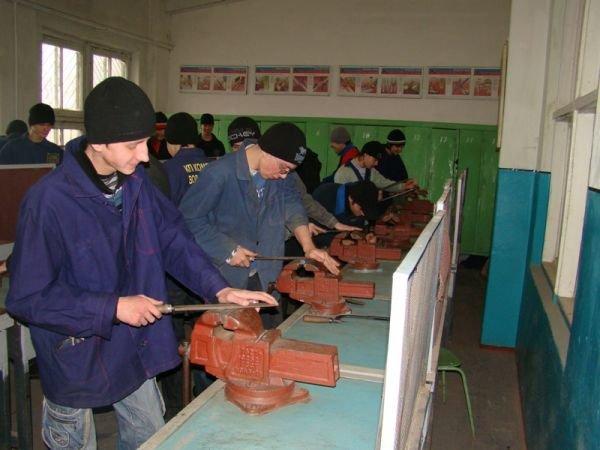 Большинство студентов Артемовского индустриального техникума учатся на бюджете и получают стипендии, фото-10