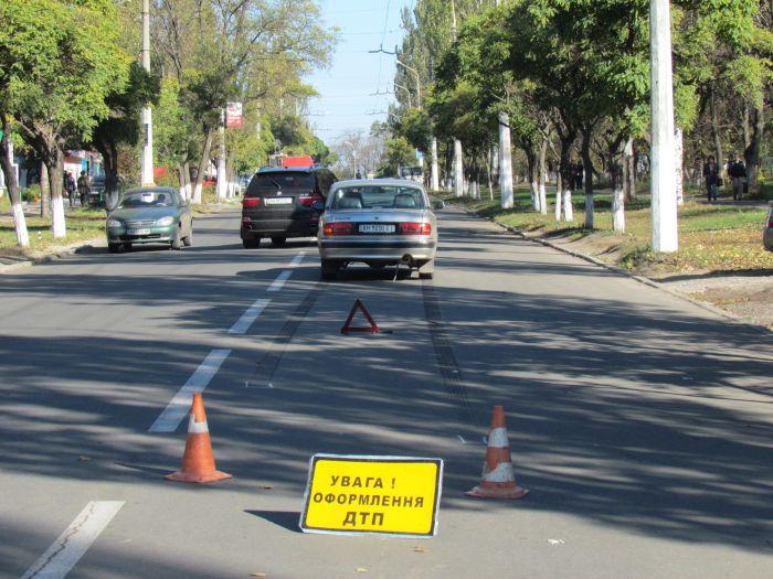 В Мариуполе  женщина попала под колеса «Волги» (ФОТО), фото-1