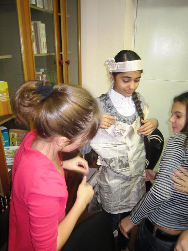 В Мариуполе школьники шили костюмы из газет и жарили котлеты с помощью мимики (ФОТО), фото-5