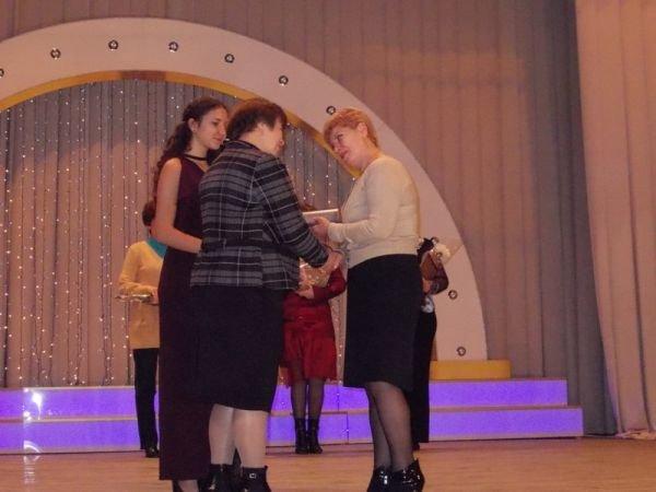 Артемовские соцработники принимали поздравления и благодарности, фото-1