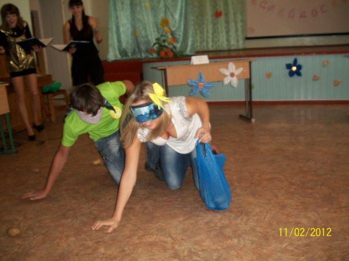 Мариупольские школьники на каникулах устроили осенний праздник (ФОТО), фото-3