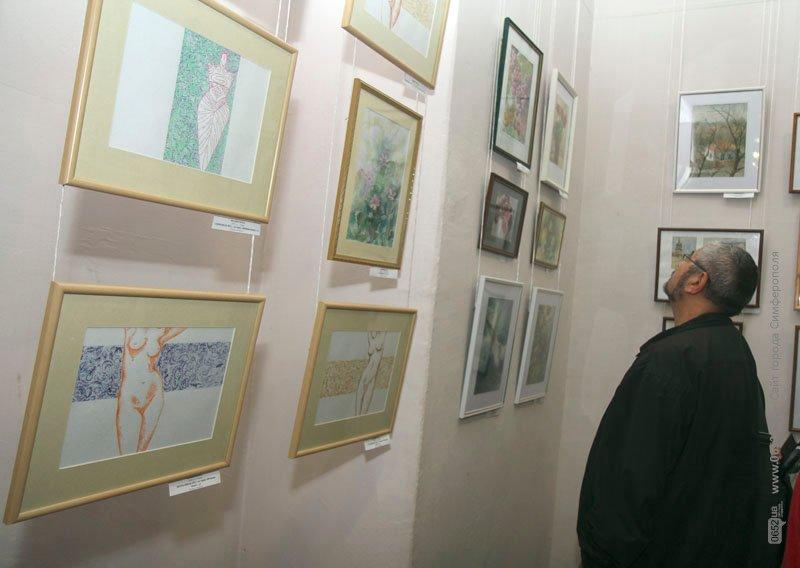В Симферополе стартовала IX биеннале камерной акварели: среди посетителей разыграют одну из картин (фото), фото-1