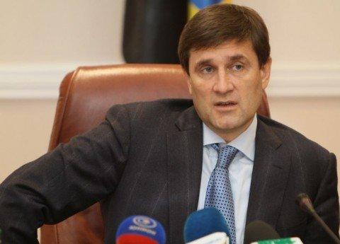 Донецкий губернатор обещает разобраться, почему жители Мариуполя стали так нетерпимы к удушающему смогу метзаводов Ахметова (ВИДЕО), фото-1