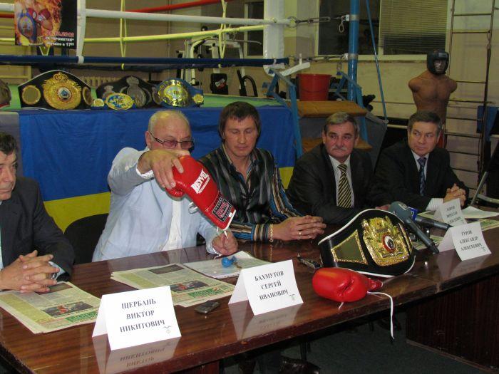 Мариупольский боксер Александр Гуров намерен защищать свой чемпионский пояс (ФОТО), фото-2
