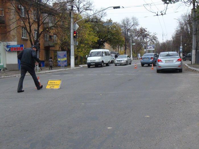 В Мариуполе Chevrolet Aveo сбил женщину(ФОТО+ ВИДЕО с камеры наблюдения), фото-2