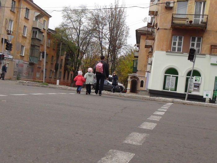 В Мариуполе Chevrolet Aveo сбил женщину(ФОТО+ ВИДЕО с камеры наблюдения), фото-3