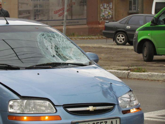 В больнице скончалась женщина, попавшая под колеса Chevrolet Aveo (ФОТО), фото-1