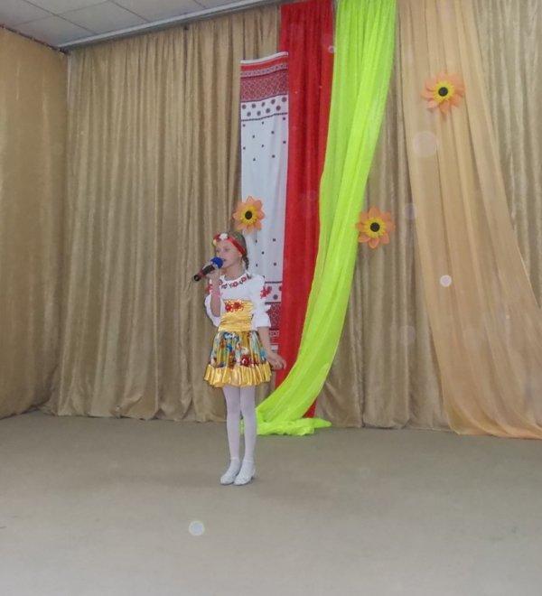Артемовские школьники отмечали День украинской письменности фестивалем песен, фото-2