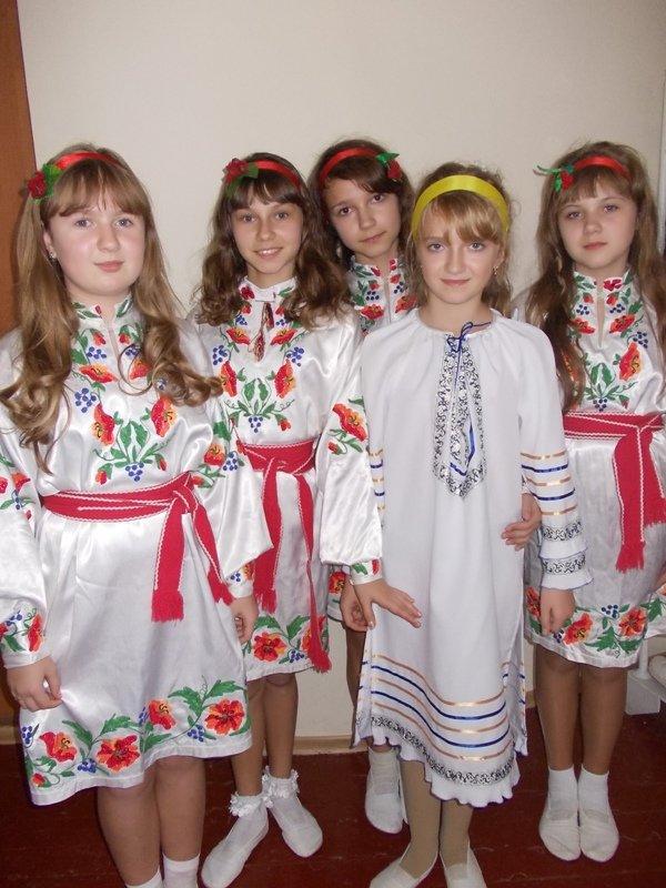 Артемовские школьники отмечали День украинской письменности фестивалем песен, фото-4