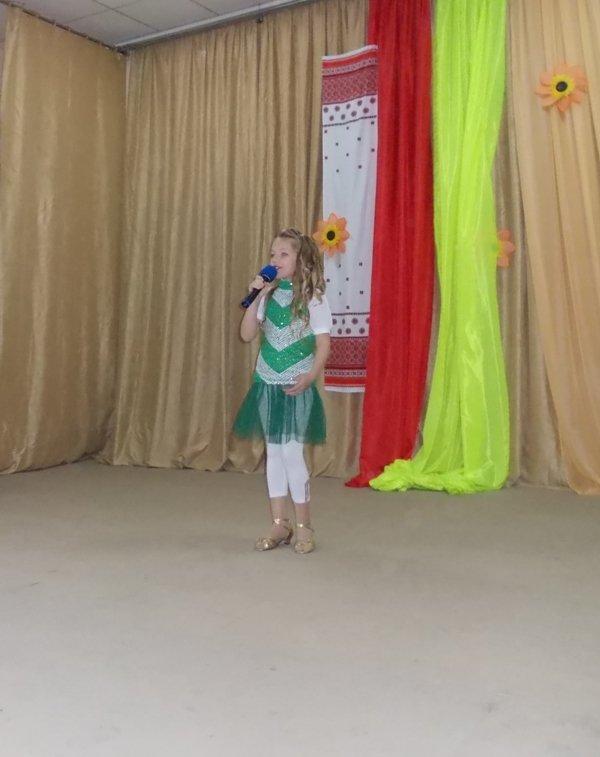 Артемовские школьники отмечали День украинской письменности фестивалем песен, фото-3