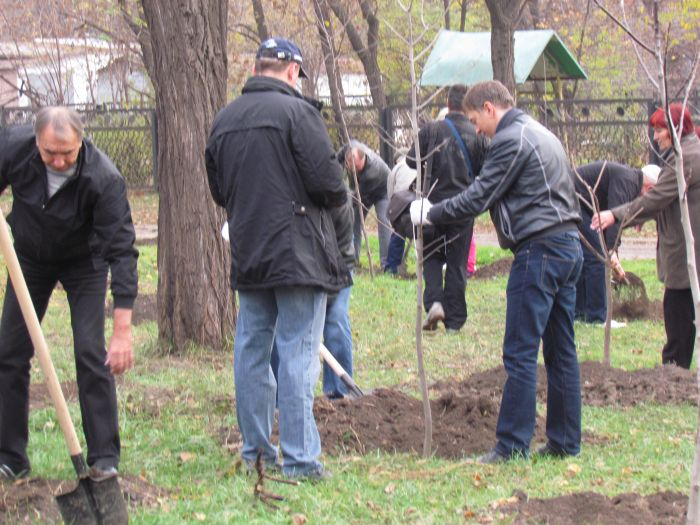 В Мариуполе  в некогда опасном месте Ильичевского района заложили новый сквер (Фоторепортаж), фото-4