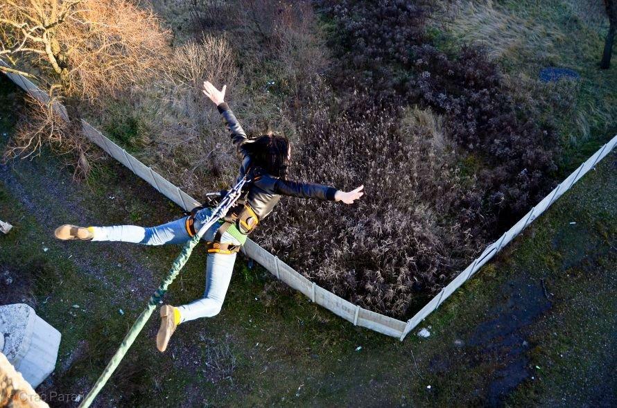 Не хватает адреналина? А попробуйте прыгнуть на веревке с 26-метрового харьковского моста (проверено на себе), фото-1