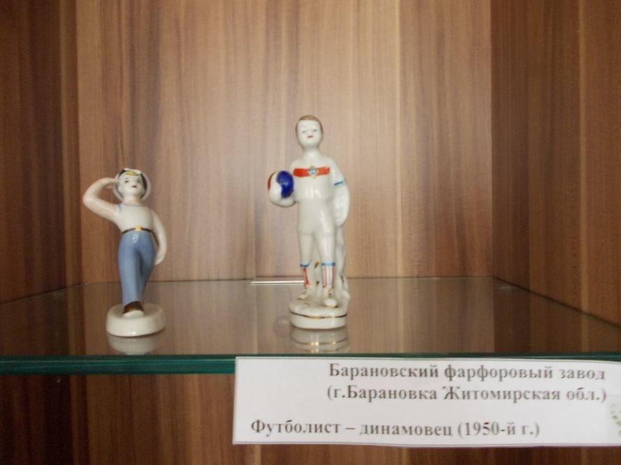 В Артемовском музее выставляют Пушкина и Садко из фарфора и фаянса, фото-8