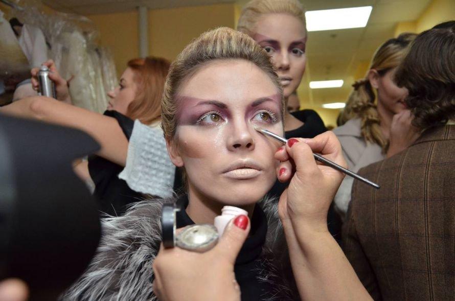 Личный кутюрье Киркорова, спортсмены вместо моделей и тысячи страз: в Харькове прошел первый день Кharkov Fashion Days-2012, фото-1