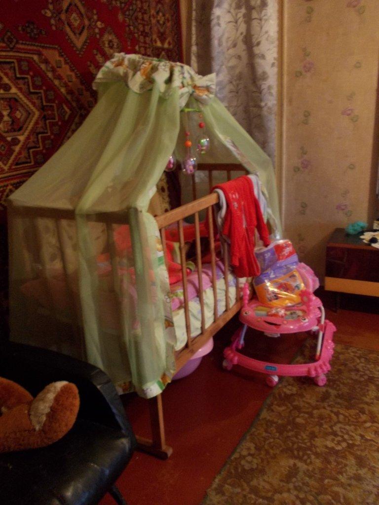 В Артемовске молодая женщина завязала с выпивкой и курением ради ребенка, фото-2