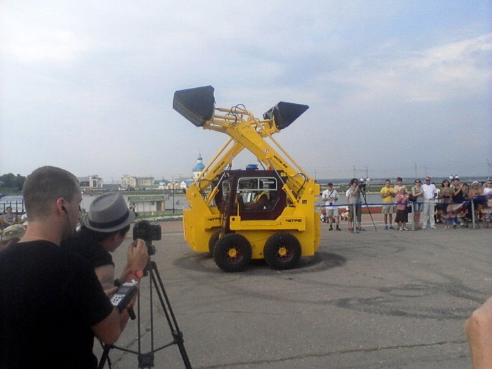 Танцы чебоксарских тракторов покажут на «Минуте Славы» (ФОТО), фото-1