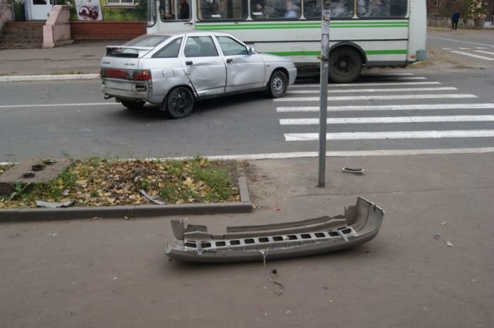 В Мариуполе легковушки не поделили перекресток (Фотофакт), фото-4