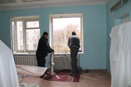 Мариупольцы отремонтировали центральную больницу Першотравневого района (ФОТО), фото-1