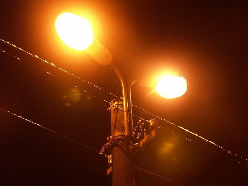 В Кременчуге устанавливают освещение на улице Набережная лейтенанта Днепрова, фото-1