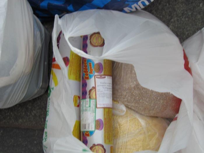 В Мариуполе десятки неравнодушных отдали животным продукты, газеты и даже матрас (ФОТО), фото-12