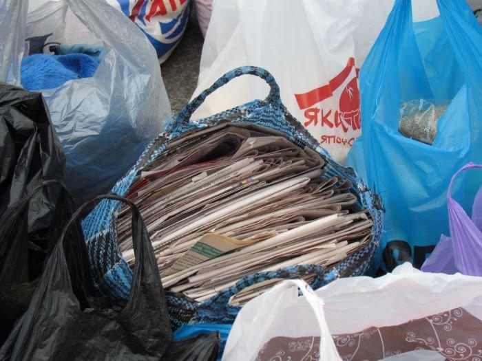 В Мариуполе десятки неравнодушных отдали животным продукты, газеты и даже матрас (ФОТО), фото-5