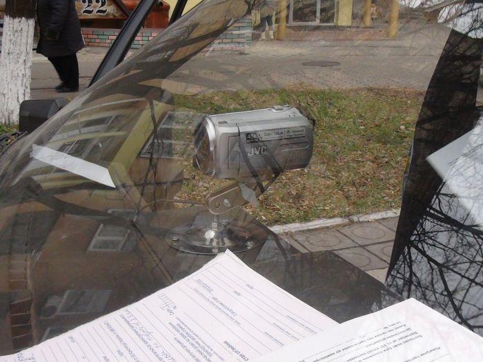 В Мариуполе сотрудники ГАИ остановили такси, пассажир которого вез наркотики (ФОТО), фото-3