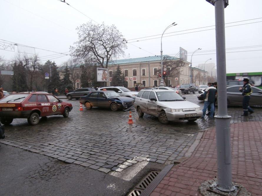 Утро в Харькове началось с аварии (ФОТО) (обновлено), фото-1