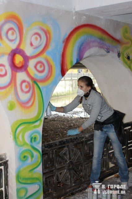 В Симферополе студенты разукрасили подземный переход (фото), фото-2