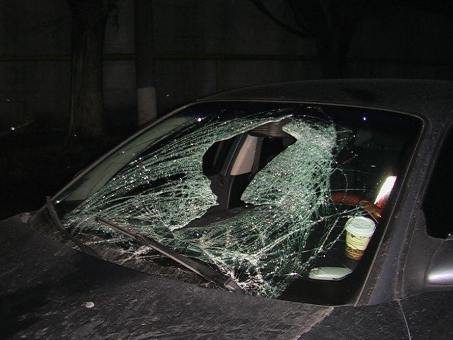 В Днепропетровске водитель иномарки разбил человеку голову (ФОТО), фото-1