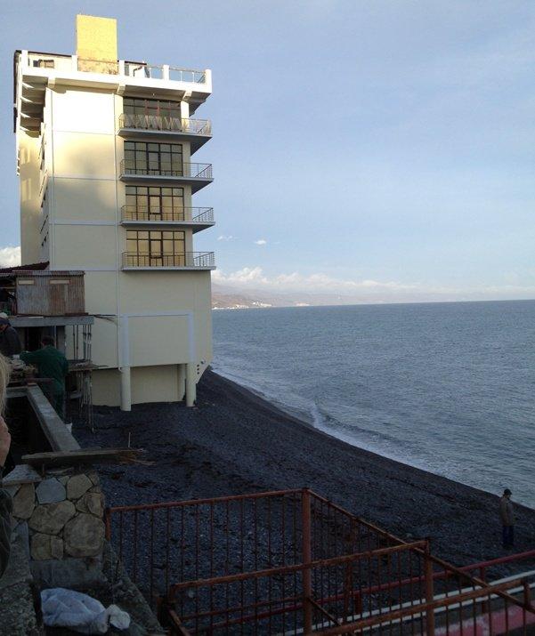На ЮБК почти достроили скандальную спасательную станцию (фото), фото-1