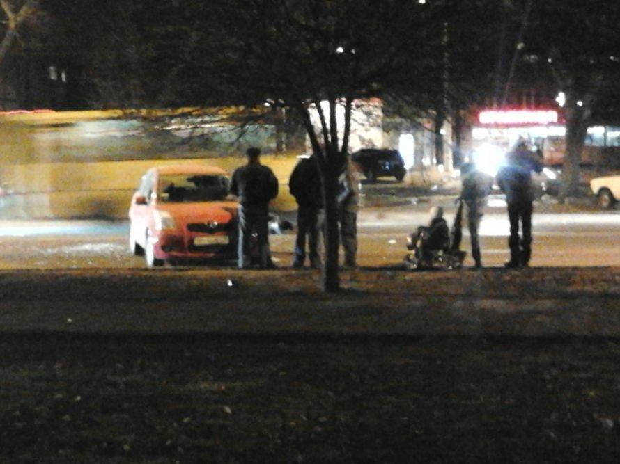В Одессе на Котовского Тойота сбила мопед. Водитель скутера в тяжелом состоянии (фото), фото-1