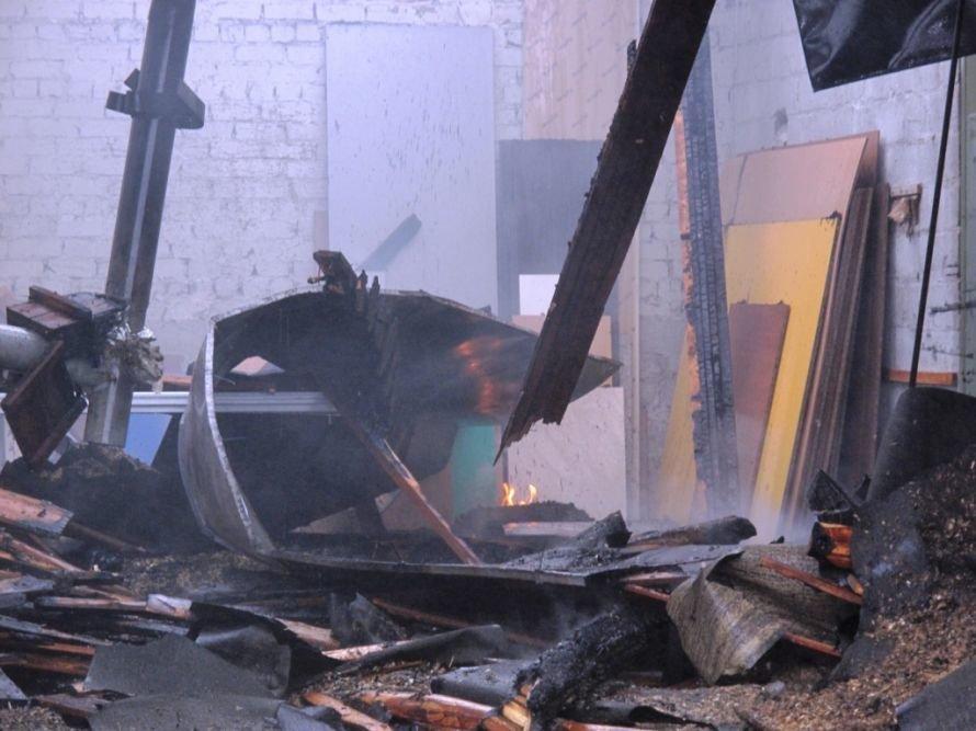 В Запорожье горел склад (ФОТО) (фото) - фото 4
