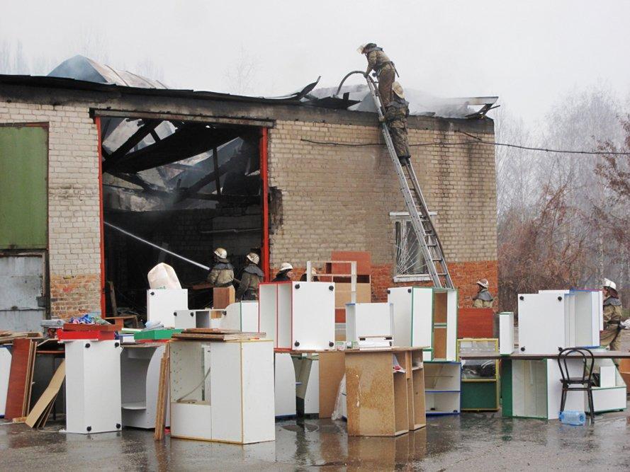 В Запорожье горел склад (ФОТО) (фото) - фото 2