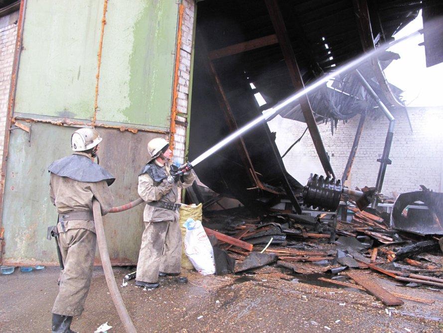 В Запорожье горел склад (ФОТО) (фото) - фото 1