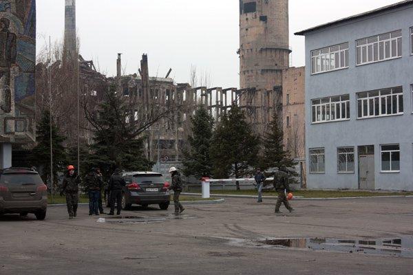 Последний день «пизанской» башни: на бывшем ртутном комбинате взорвали хранилище сырья (ДОБАВЛЕНО ВИДЕО), фото-1