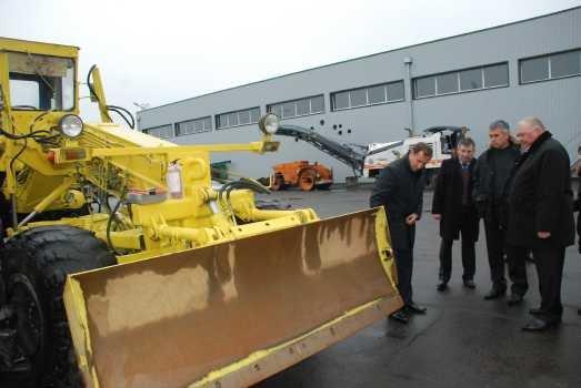 Мэр Олег Бабаев проверил готовность дорожной техники к работе зимой, фото-1