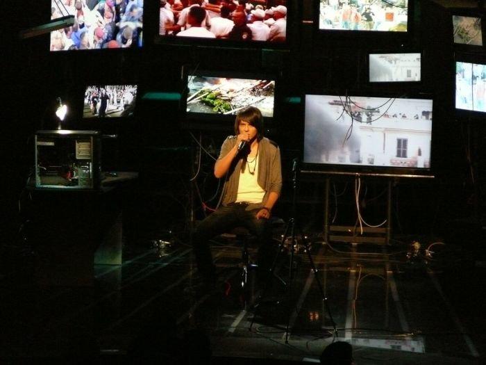 Участник шоу «Х фактор» Алексей Смирнов вспомнил о Мариуполе и разрыдался (ФОТО+ВИДЕО), фото-1