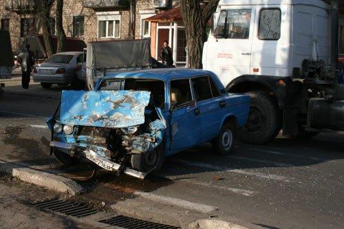 Безумная авария на пересечении Апатова и Казанцева., фото-1
