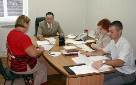 Мариупольцы потребовали от начальника ГУМВД установить в городе московское время, фото-1
