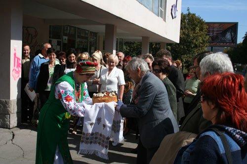 20.09.2007 г. В библиотеке им. Короленко состоялась встреча <br>мариупольцев с землячеством Донбасса в Москве.