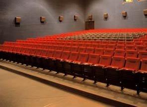 36 кинотеатров приостановили работу на один день, фото-1